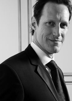 Christopher Heyerdahl - that gorgeous man  that wonderful actor is my one and only choice for Death of the T.Pratchett's Diskworld. Nobody could be better than him in this character.