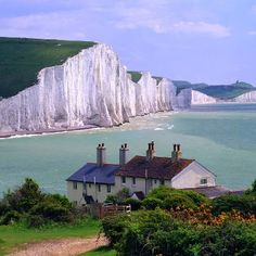 Along the English coast, White Cliffs of Dover. Took the train from London to here & it IS this beautiful
