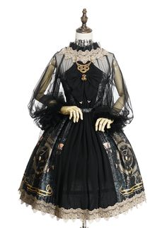 """Lolita clothing refers to clothing based on Gothic, sweet and retro styles. Lolita clothing is usually designed on the basis of """"dolly-like"""" lace, lace, lace Pretty Outfits, Pretty Dresses, Beautiful Dresses, Beautiful Dolls, Cosplay Dress, Cosplay Outfits, Kawaii Fashion, Cute Fashion, Rock Fashion"""