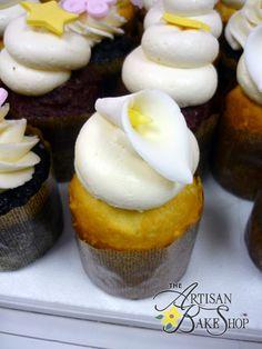 White Calla Lily Cupcakes (Level 4)
