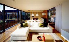 The Muston Street es una fabulosa casa diseñada por Fox Johnston Architects, ubicada en Sidney, Australia. La moderna casa que posee vistas a un parque nacional de un lado, y del otro a través del océano al horizonte, ha sido diseñada para la vida sencilla y con la finalidad de complacer los sentidos. Al mismo …