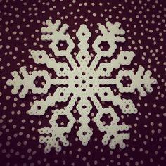 Snowflake perler beads by renatekibsgard