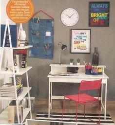 A revista Decorar Mais Por Menos decorou este home office com a escrivaninha Nisi, da MMM: http://www.meumoveldemadeira.com.br/produto/escrivaninha-nisi-branco-lavado