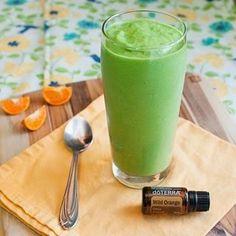 Prueba esta deliciosa receta máquina verde TrimShake! Máquina verde 1 cucharada de vainilla 1 taza TrimShake sin azúcar almendra original de leche 1 gota de aceite esencial de naranja salvaje 1 taza de fruta congelada 1/3 taza de yogur de vainilla 1 cucharada de chía semillas de espinaca 2-3 tazas