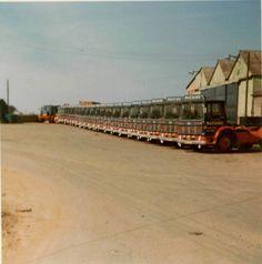 AEC - Machins of Spalding omg more mandators than Horley road services Vintage Trucks, Old Trucks, 10 4 Good Buddy, Marshall Major, Ashok Leyland, Old Lorries, Peterbilt, Classic Trucks, Mercury