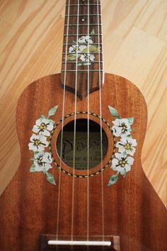Ukulele Art, Ukulele Songs, Guitar Chords, Guitar Art Diy, Acoustic Guitar, Guitar Painting, Diy Painting, Guitar Drawing, Ukelele Painted
