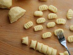 Low Calorie Gnocchi Recipe, Gnocchi Recipes, Bariatric Recipes, Keto Recipes, Vegetarian Recipes, Raw Cauliflower, Cauliflower Recipes, Veggie Side Dishes, Vegetable Dishes