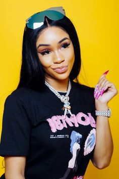 A Bay Area babe with major business acumen, Saweetie is the big-dreams bad girl poised to destroy the rap game. Saweetie Icy Grl, Icy Girl, Hip Hop Fashion, Look Fashion, Estilo Hip Hop, Bad Girl Wallpaper, Black Girl Aesthetic, Doja Cat, Mode Streetwear