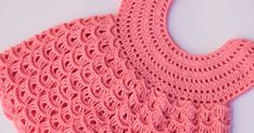 In part 2 of this crochet video lessons we continue crocheting a tape lace. This lesson show you how to crochet lace, which you can use as bracelet, o. Crochet Girls Dress Pattern, Baby Girl Crochet, Crochet Baby Clothes, Baby Dress Patterns, Lidia Crochet Tricot, Knit Crochet, Stitch Crochet, Crochet Fabric, Irish Crochet