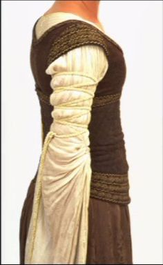 Eowyn's costume in detail - How do you do those sleeves?
