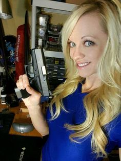 Hot Chicks & Guns