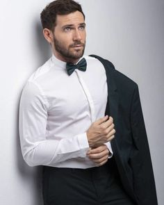 Fashion Suits, Mens Fashion, Well Dressed Men, White Shirts, Men Looks, Black Tie, Casual Outfits, David, Internet