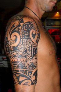 maori tattoos am oberarm und r cken p pinterest. Black Bedroom Furniture Sets. Home Design Ideas