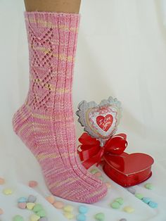 Sweet Valentine is the sock pattern for February featured in The Sock Journal. There also are bonus instructions in the Appendix for a beaded version of Sweet Valentine. (JO)