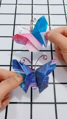 Paper-cut origami cute beautiful butterfly handmade video tutorial Handmade video tutorial with a nice butterfly and an origami cut out … DIY Origami Gifts & DecorationMaster the basics of Origami while giving them purpose Quilled Paper Art, Paper Quilling Designs, Paper Crafts Origami, Diy Origami, Paper Crafting, Origami Boxes, Dollar Origami, Diy Crafts For Gifts, Paper Crafts For Kids