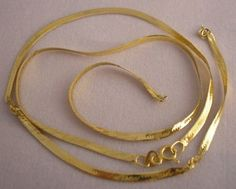 Here's a 14 K gold herringbone necklace I found at a garage sale. It was only fifty cents, since it was broken. Herringbone necklaces are notorious for kinking and breaking…good items to keep your eyes open for to turn into scrap gold. There is definitely more than fifty cents of gold in this necklace.