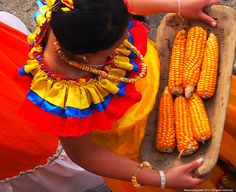 Sonson Antioquia Colombia ©MauricioAgudelo All rights reserved. Use without permission is illegal Popcorn Seeds, Colombian Art, A Moment In Time, Calming, Color, Earth, Countries, Culture, Events