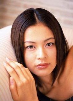 ブロンドヘアーの黒谷友香さん