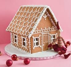 How to Decorate a Gingerbread House - Instructions for Putting . How to Decorate a Gingerbread House - Instructions for Putting Ginger. Gingerbread House Patterns, Gingerbread House Parties, Christmas Gingerbread House, Noel Christmas, Christmas Treats, Christmas Baking, Gingerbread Cookies, Christmas Cookies, Gingerbread Houses