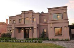 Una casa clásica y moderna en donde la magia y el encanto… Bungalow House Design, House Front Design, Duplex House, Loft House, Classic House Exterior, House Paint Exterior, Casas Country, Plans Architecture, Casas Containers
