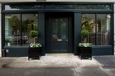 This NYC restaurant is insufferably pretentious | New York Post