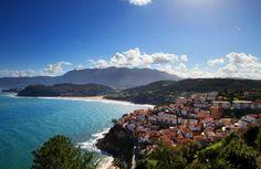 Érase una vez un paraíso con encantadoras villas marineras, donde el olor salado del mar estab...