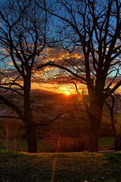 Coucher de soleil, Saint-Gaudens, Midi-Pyrenees, France | by Matthieu Luna on Flickr - Photo Sharing!