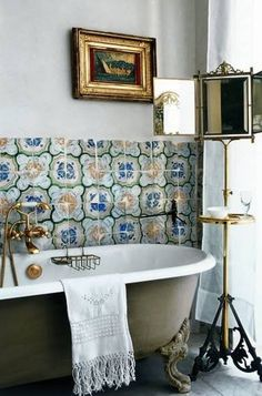Astonishing Vintage Bathroom Designs