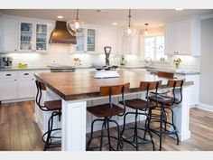 Cute minimal kitchen