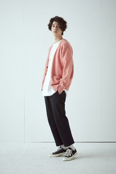 Outfit ootd pink shirt pants street retro knit sweater converse all star Grunge Look, 90s Grunge, Grunge Style, Grunge Outfits, Casual Outfits, Fashion Outfits, Guy Outfits, Fashion Tips, Korean Fashion Men