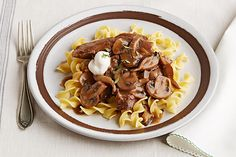 Cook a delicious Slow-Cooker Beef Stroganoff Pot Roast on any cool day. Discover your new favorite slow-cooker beef stroganoff recipe right here!