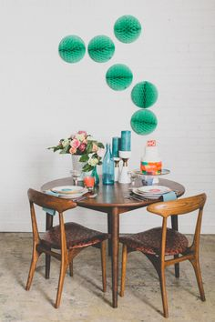Mid-century modern wedding reception | As Ever Photography | see more on: http://burnettsboards.com/2015/01/mid-century-modern/
