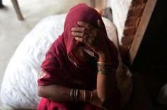 Una joven de 22 años, violada, obligada a beber ácido y estrangulada en India | Internacional | EL MUNDO