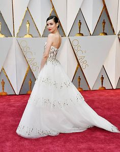 No me digan que no amaron su vestido, y obvio a la reina en el.