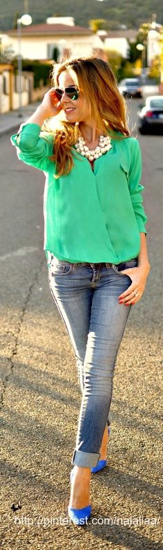 Blue heels, teal/green/turquoise shirt & chunky pearl necklace