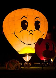Orange Smiley Wallpapers) – Wallpapers and Backgrounds Air Balloon Rides, The Balloon, Hot Air Balloon, Smiley Emoji, Emoticon, Happy Smiley Face, Smiley Faces, Balloons Galore, Balloon Flights