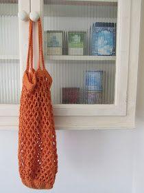 Gem(H)aakt door Marijtje Diy Crochet, Crochet Crafts, Double Knitting Patterns, Produce Bags, Faux Fur Pom Pom, Embroidery Needles, Crochet Purses, Loom Weaving, Chrochet