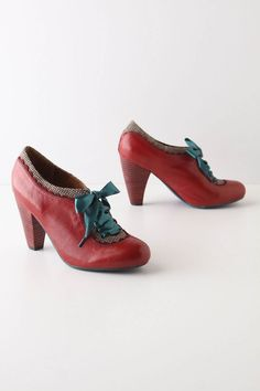 great funky shoes-classic, love those