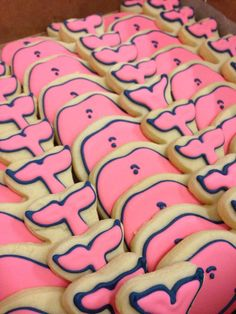 The vineyard vines whale cookies Whale Cookies, Cute Cookies, Sugar Cookies, Cookies Et Biscuits, Yummy Cookies, Yummy Treats, Delicious Desserts, Sweet Treats, Yummy Food