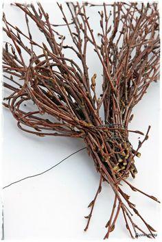 Suvikumpu: Risusydämen ohje II Homemade Gifts, Decoration, Grapevine Wreath, Grape Vines, Diy And Crafts, Christmas Wreaths, Valentines, Floral, Home Decor