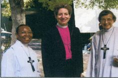 The Presiding Bishop of the EC, the Most Rev. Katharine Jefferts Schori, Sr. Marie Margaret (L) and Sr. Marjorie Raphael (R)