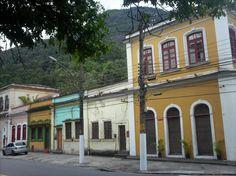 Houses from the worker's village of a former textile factory - Casas da antiga Vila Operária da Companhia de Fiação e Tecelagem Carioca