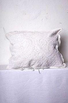 Cushion with handmade embroidery from kalotaszeg - internationalwardrobe.com