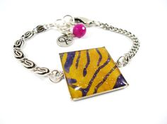 Ethnic Ultra Chic- Bracelet with Batik fabric and glitters.