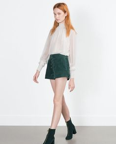 Image 4 of SUEDE SHORTS from Zara