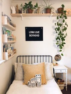 Shelving Above Bed, Shelf Over Bed, Bed Shelves, Shelves In Bedroom, Shelves In Kids Room, Room Ideas Bedroom, Girls Bedroom, Bedroom Decor, Bedding Decor