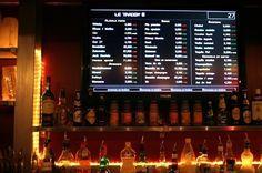 Le Trader's Pub    Improvisez-vous trader d'un soir et achetez des verres comme si vous achetiez des actions en bourses ! Les tarifs des boissons de ce pub, au concept original, fluctuent toutes les 110 secondes. Libre à vous de repérer le bon moment pour investir dans une bière, tout particulièrement lors des « krachs boursiers » où les prix des boissons dégringolent !