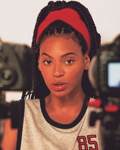 Beautiful box braids on Beyonce. Plus her skin looks exquisite, and I love this . - Beautiful box braids on Beyonce. Plus her skin looks exquisite, and I love this video and song. Box Braids Hairstyles, Protective Hairstyles, 90s Hairstyles, Black Girls Hairstyles, Protective Styles, Wedding Hairstyles, Hairstyle Braid, Braid Hair, Black Girl Braids