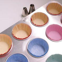 Para quem quer aprender uma receita fácil e simples de cupcake, essa é dica ideal. Essa massa básica pode ser preparada de forma rápida e prática.