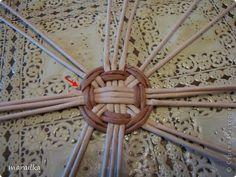 Мастер-класс Поделка изделие Квиллинг Плетение Прячем хвосты МК для начинающих Бумага газетная Трубочки бумажные фото 4